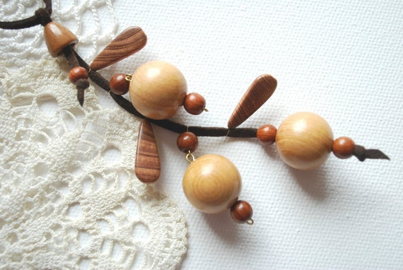 Currants-Berries-Juniper wood necklace-Nature,eco friendly,handmade-Wood,rustic,woodland