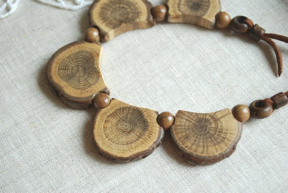 Oak bib necklace-Nature,eco friendly,handmade-Wood,woodland-Rustic,rustical.