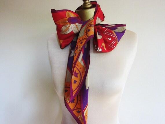 Long silk scarf tie Oscar de la Renta dynamic colors