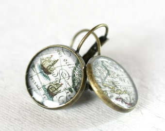 Sea Adventure Earrings 3/4 inch (16mm), magnifying glass cabochon