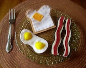 Pretend Felt Food- Buttered Toast with Eggs and Bacon Breakfast Set