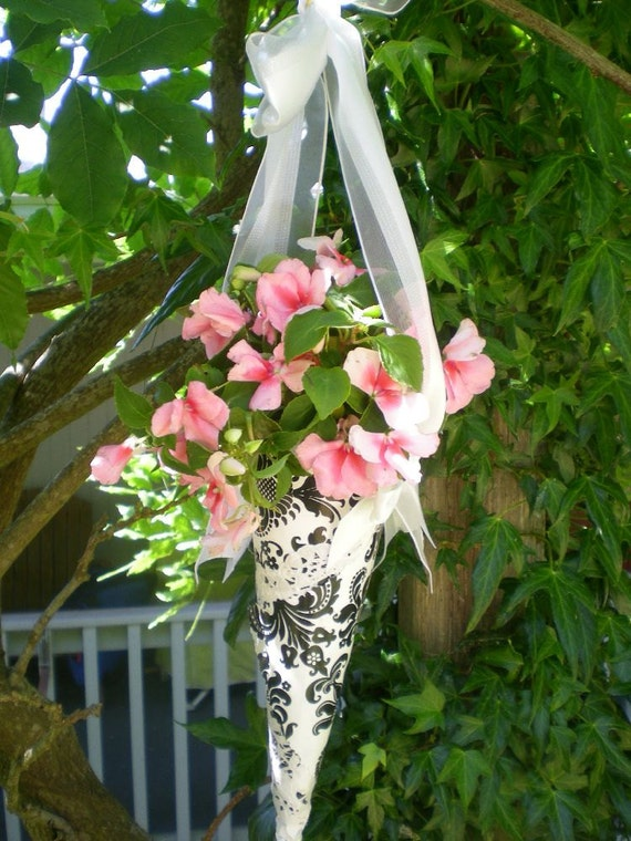 Wedding Flower Cone Decoration DIY
