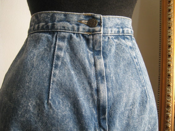 1980s Pencil Acid-Washed Denim Skirt with Button Kick-Pleat