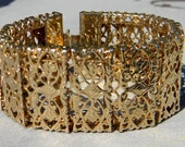 Sarah Cov Vintage Link Filigree Gold Tone Metal Snap Closure Bracelet