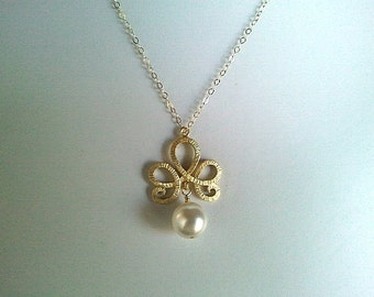 Flower with White Pearl pendant, charm,Necklace - High Fashion, SuperDuper Excellent quality