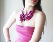OOAK Felted flower necklace, Statement bib floral necklace, Floral jewelry, Unique Jewelry, Felted jewelry, Pink, Purple, Violet, Fuchsia