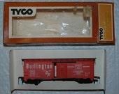 Tyco Train Vintage HO Scale Box Car - 40 Foot Burlington 311T:250