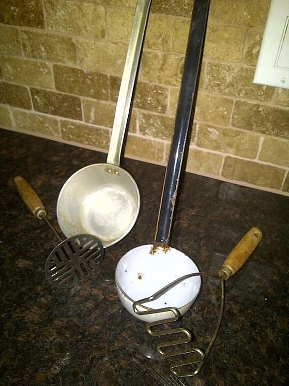 Vintage Kitchen Cooking Utensils - Set of 4