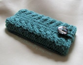 iPod case / iPod cover / hand knit iPod Touch sleeve / iPod Touch skin / iPod holder in misty green