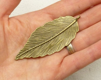 Large Detailed Leaf Pendant Charm, Antique Bronze (1)