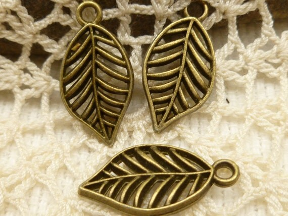 Antiqued Bronze Metal Work Lattice Leaf Charms (8) - A53