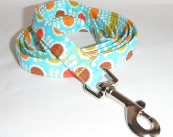 Dog Leash / Retro Daisy Aqua Pattern