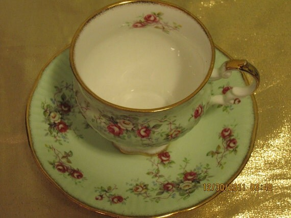 Vintage Elizabethan Fine Bone China Footed Tea Cup and Saucer Set.  Made in England. Numbered.