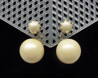 Pearl Bead Vintage Earrings - Screw on style