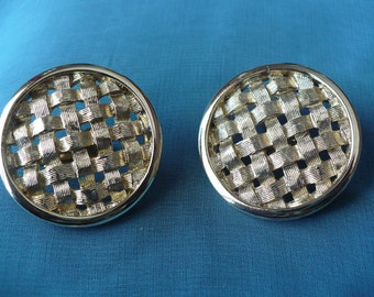 Vintage Sarah Coventry basket weave clip earrings
