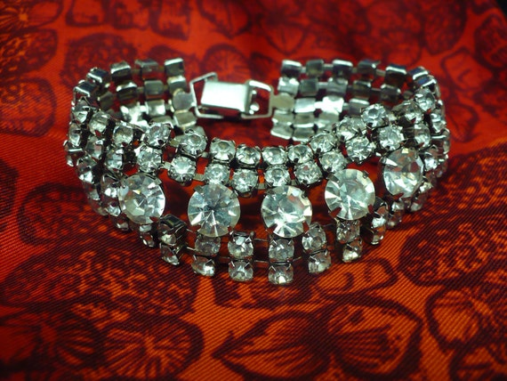 35% OFF- Coupon SAVE35NOW - Rhinestone vintage bracelet with 5 rows of brilliant diamondettes