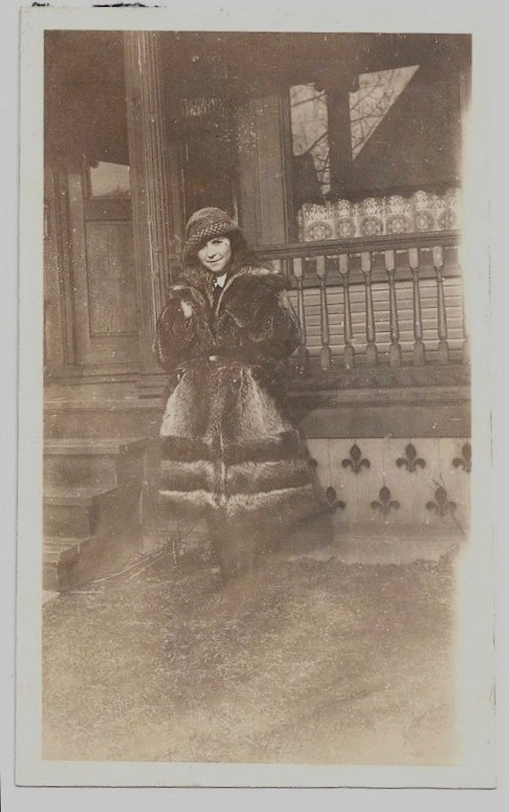 Old Photo Woman wearing Hat and Fur Coat Vintage Photograph