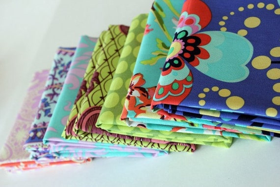 Fat Quarter Bundle of Amy Butler's Love Line-7  different fabrics included