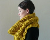 Infinity Cowl, Cowl Scarf, Cowl, Neckwarmer - The Large Clam in Citron