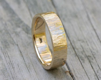 14k gold hammered wedding band,size 9 1/4, #155.