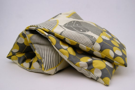 "Neck Kozi ""Relax"" - Microwavable corn bag with a washable cover. Heating pad cold pack. Grey - Yellow"