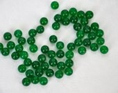 emerald green agate semiprecious stone)  jewelery making materials.