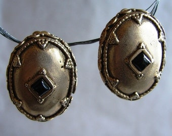 SALE-Renaissance Goth Style Clip On Earrings From The 80s.