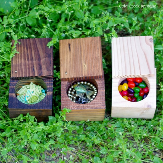 Wood Box - Wood Gift Box - Wood Keepsake Box - Swivel Top and Circle Center