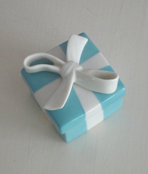 Tiffany Amp Co Baby Blue Porcelain China Ring Box White Ribbon