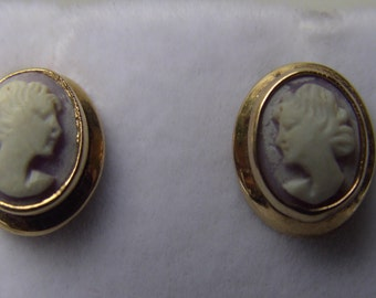 Antique Victorian gold shell cameo earrings - Circa 1850-1910 - 18kt  solid gold