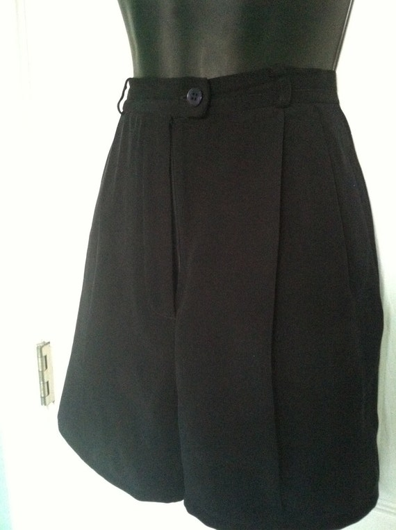 Vintage high waisted black trouser shorts
