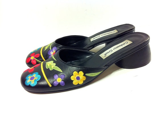 SALE Black Leather Sandals 9 with Hand Stitched Floral Detail