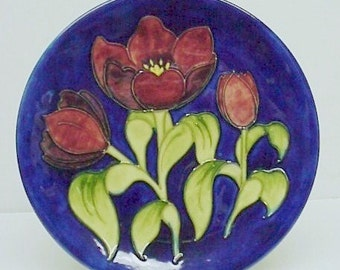 Highly Collectible MOORCROFT POTTERY - PLATE Tulips Rare - Unique - Superb Quality