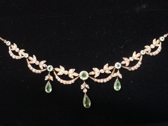 Mesmerazinglu Beautiful VICTORIAN LAVALIERE NECKLACE Victorian 9c Gold with Peridot Stones Seed Pearls