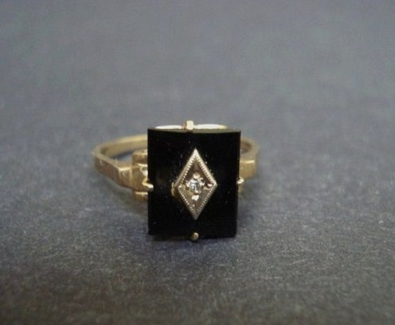 Items similar to Antique Lovely VICTORIAN GOLD RING Black yx and