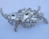 Wedding dress brooch,bridal sash brooch,crystal brooch pin,rhinestone wedding brooch pin,pearl brial comb,wedding hair comb,pearl brooch pin