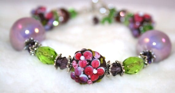 50% OFF Handmade PURPLE FLOWER lampwork glass bead bracelet  with Silver plated toggle clasp