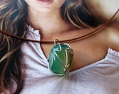 Green Agate necklace, stone, black wire choker, necklace, free shipping, elegant, simple, screw clasp, wire wrapped,