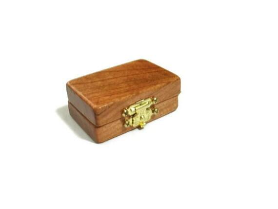 Personalized Locket Key Chain - Wooden Keepsake - Man Gift