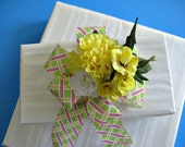 Sunny yellow all occasion bow with basket weave ribbon (GN18)