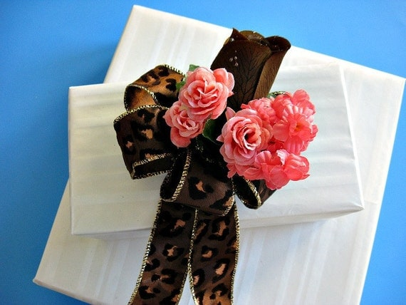 All occasion gift bow in chocolate and peach (GN23)