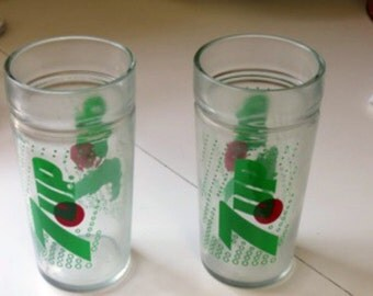 Vintage 7 Up Drinking Glass Set