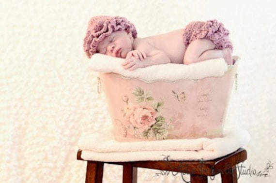 Valentine's Pink Ruffled Newborn Hat and Diaper Cover Set. Beautiful Photo Prop