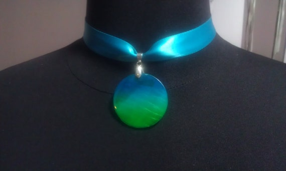 Green and Teal Pendant Choker