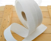 Roll of white linen straight-cut strips 1 5/8 in./40 mm wide