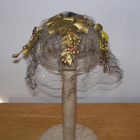 Vintage 1950s Black Gold Berries & Leaves Hat/Fascinator