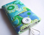 Cell phone cover, iPhone pouch, iPhone cover, iPhone 4S case, iPhone 4 cozy, iPod touch cover, iPod sleeve, iPod cover in a green cotton