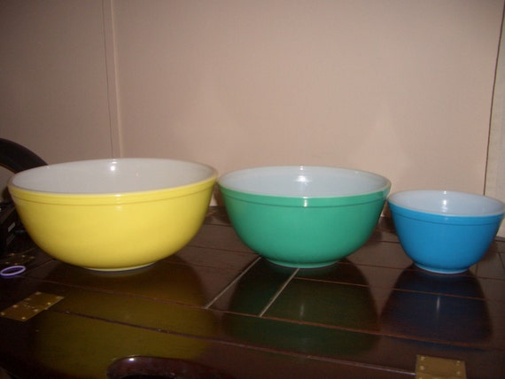 Vintage Primary Colors Pyrex Stacking Bowls 400 series