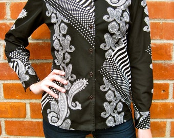 Vintage 70s - Retro Polyester Shirt - Black & White Psychedelic Checkered Paisley - Womens Size XS / S