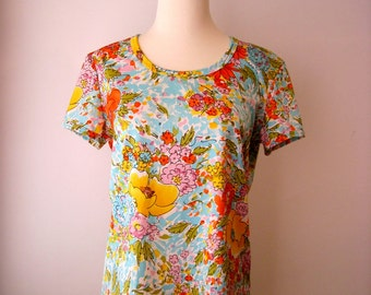 Vintage 60s 70s - Retro Bright Flower Power  - Short Sleeve Shirt - Womens Size M